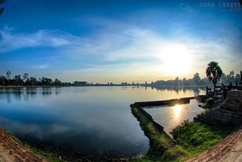 Sunrise, Srah Srang, Angkor Wat, Cambodia